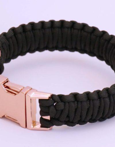 Černý obojek s kovovou přezkou pro psa
