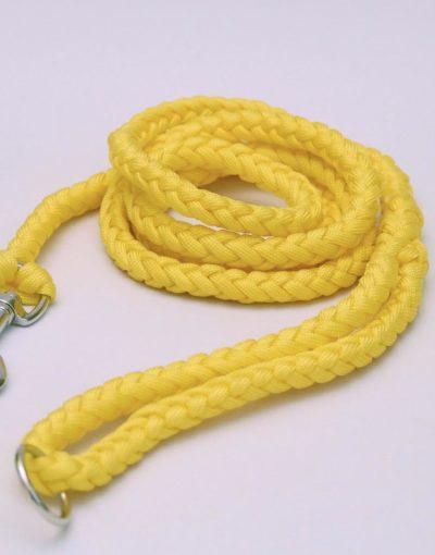 Žluté vodítko s kovovou karabinou pro psa